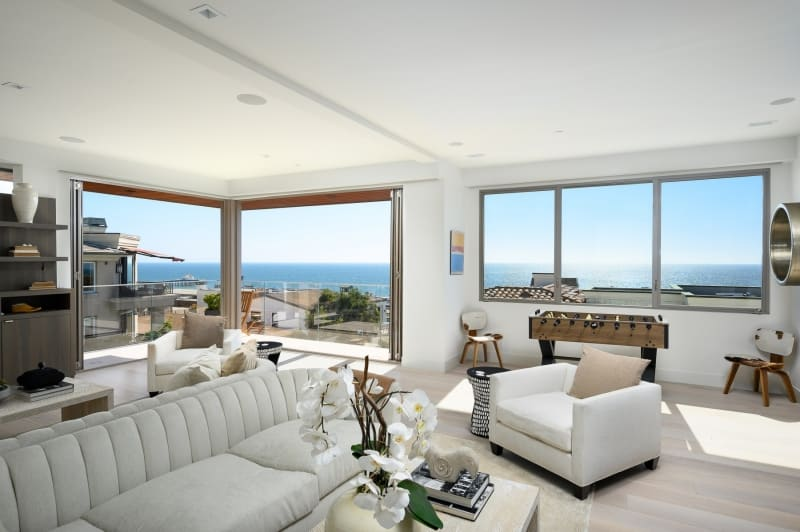 Living Room Area with Panoramic Ocean View