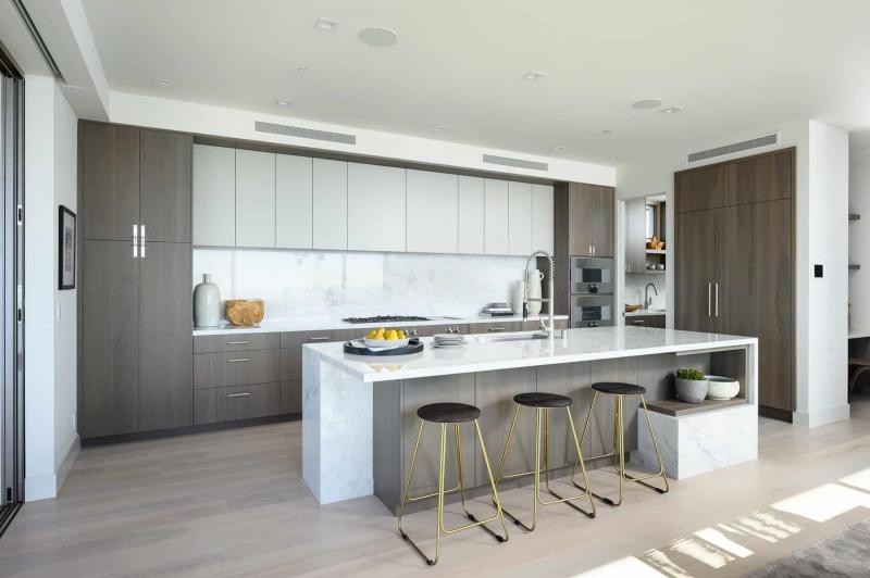Luxurious Kitchen with European Oak Flooring