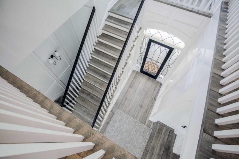 Custom Hardwood Staircase of Luxury Home