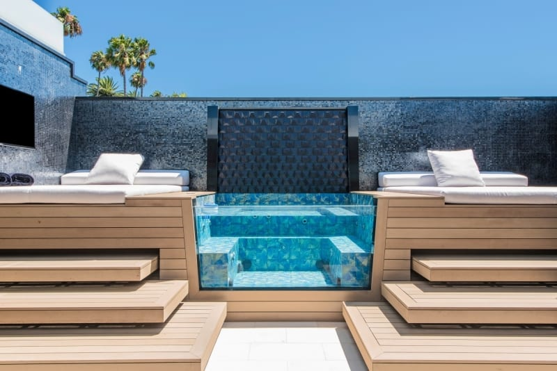 Luxury Hot Tub with Lounging