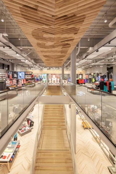 Nike-Store-Santa-Monica-Staircase-1500x